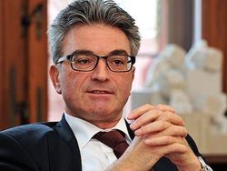 Freiburgs OB Dieter Salomon warnt vor Pauschalurteilen