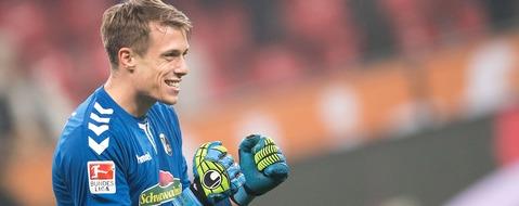 Torwart Schwolow rettet Remis für den SC Freiburg