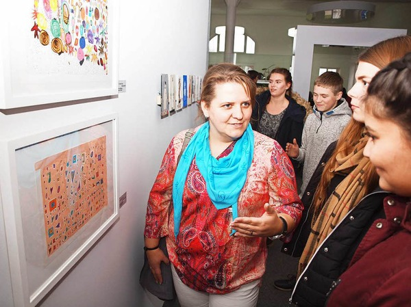 Schülerarbeiten ganz unterschiedlicher Stile, Techniken und Altersstufen sind in der Ausstellung zu sehen.