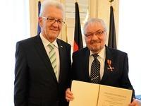 Kretschmann ehrt Breisacher Karl-Anton Hanagarth