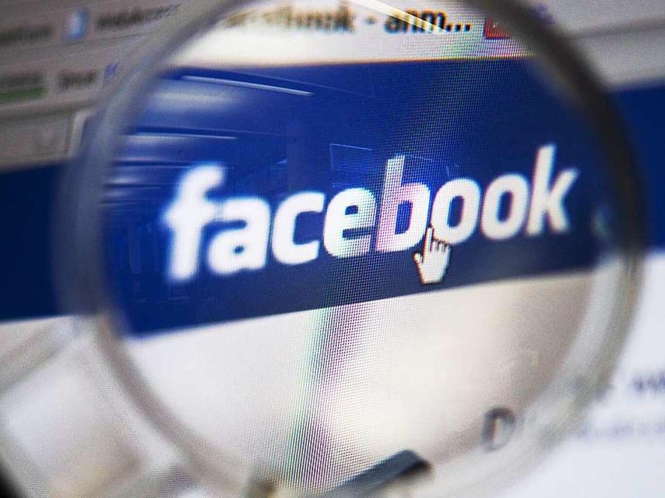 Hasskommentare im Netz machen nicht nu...nen auch strafrechtliche Folgen haben.  | Foto: dpa