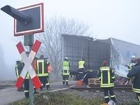 Laster kollidiert mit Breisgau-S-Bahn - drei Leichtverletzte