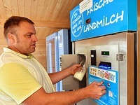Milch vom Automaten macht Bauern unabhängiger