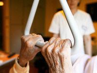 Alltagsassistenten unterstützen Fachkräfte in der Altenpflege