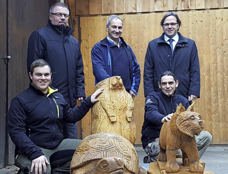 Offizielle Übergabe (von links): Matth...ter Carsten Gabbert und Bertram Bilger  | Foto: Gemeinde Schuttertal