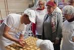 Fotos: Mit der Badischen Zeitung in der Weihnachtsbäckerei in Kirchzarten