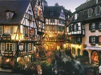 Der Weihnachtsmarkt in Colmar lädt zum Flanieren