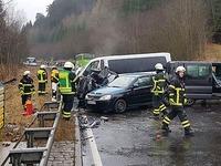 Ein Mensch stirbt bei Unfall bei Titisee-Neustadt - B31 gesperrt