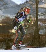 Benedikt Doll führt die deutsche Staffel beim Weltcup auf Rang 3