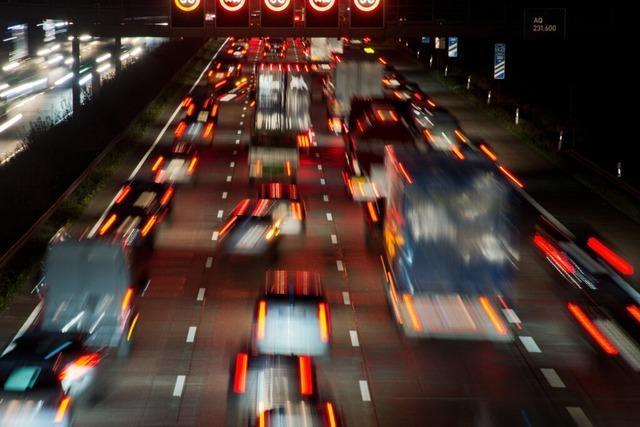 Sieben Unfälle auf der A5 – zeitweise rund 17 Kilometer lang Stau