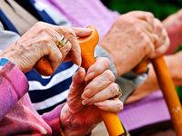 Schwestern treffen sich im Altenheim nach 40 Jahren