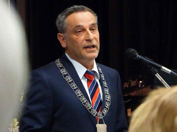 Bürgermeister Klaus Jehle spricht beim Neujahrsempfang.