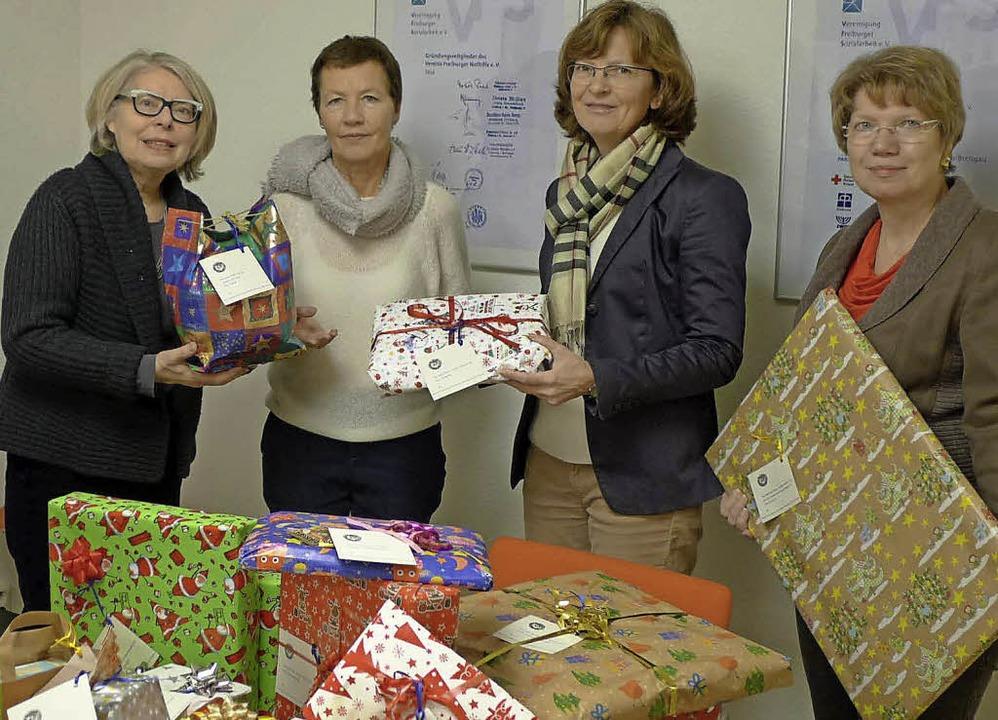 Geschenke für 120 Kinder - Freiburg - Badische Zeitung