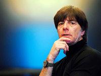 Löw fühlt sich in WM-Frage ausgeschlossen