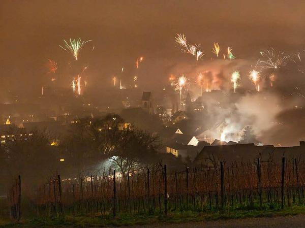 Die Weiler begrüßen das Jahr 2016 mit üppigem Feuerwerk.