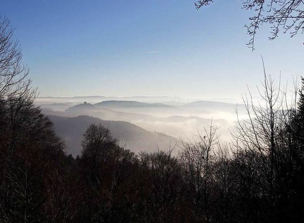 Oben Sonne, unten Nebel - BZ-Redakteur Christian Kramberg hat an Silvester von der Julius-Kaufmann -Hütte ins Schuttertal fotografiert.