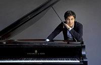 Der preisgekrönte Pianist spielt Strawinskys Petruschka-Paraphrasen