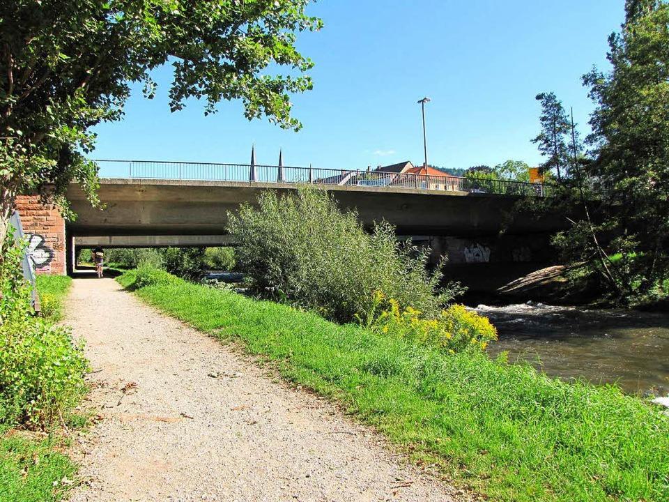 Betonklotz: So sah die alte Kronenbrücke aus.  | Foto: Stadt Freiburg