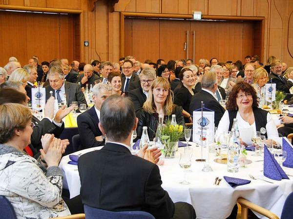 Persönlichkeiten aus Politik, Wirtschaft, Bildung, Kultur und Wissenschaft gaben sich ein Stelldichein im Bad Krozinger Kurhaus.