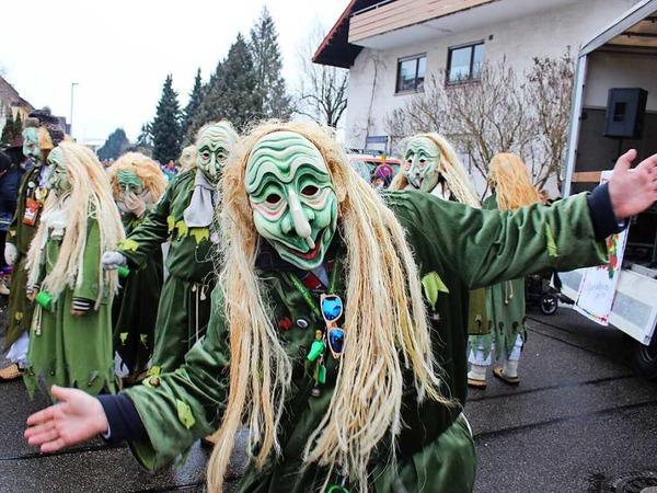 Mehr als 2500 Hästräger von über 120 Narrengruppen aus ganz Südbaden, aber auch aus Oberschwaben, vom Neckar und der Schweiz stellten am Sonntag den Marcher Ortsteil Hugstetten auf den Kopf.