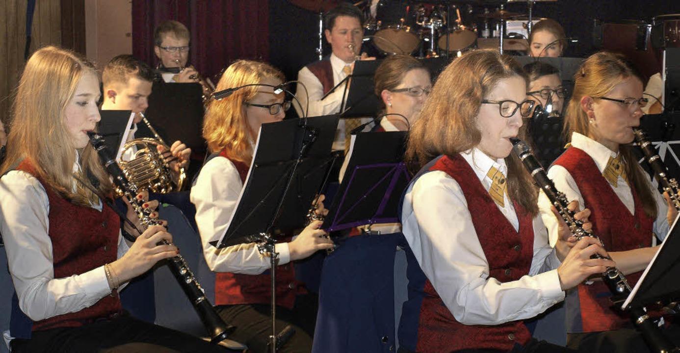 Die Aktiven  des Musikvereins Brombach...er Jahresfeier exzellente Blasmusik.    | Foto: Paul Schleer