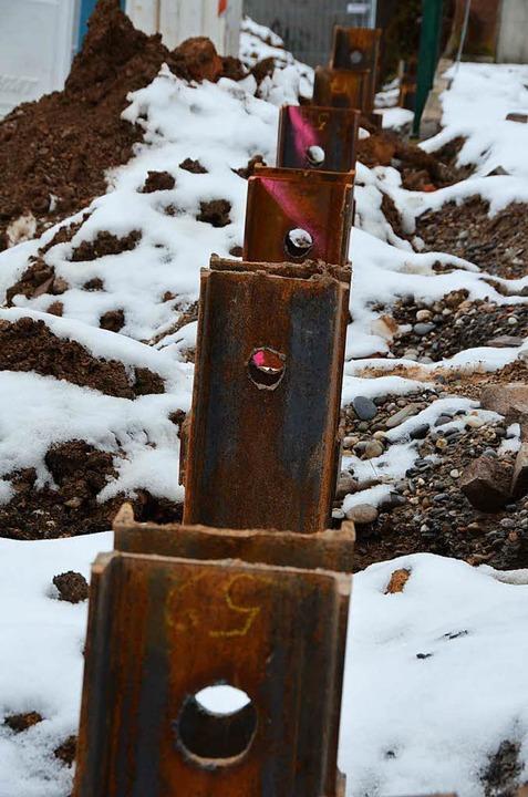 Beim Setzen dieser Stahlträger kam es zu dem Unfall.  | Foto: Max Schuler