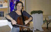 40 Cellisten im komplexen Zusammenspiel