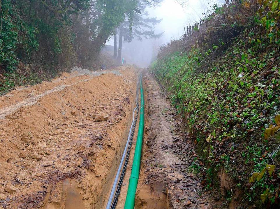 Ein Kanalrohr und Stromkabel wurden durch die Kahlenberggasse verlegt.  | Foto: Privat