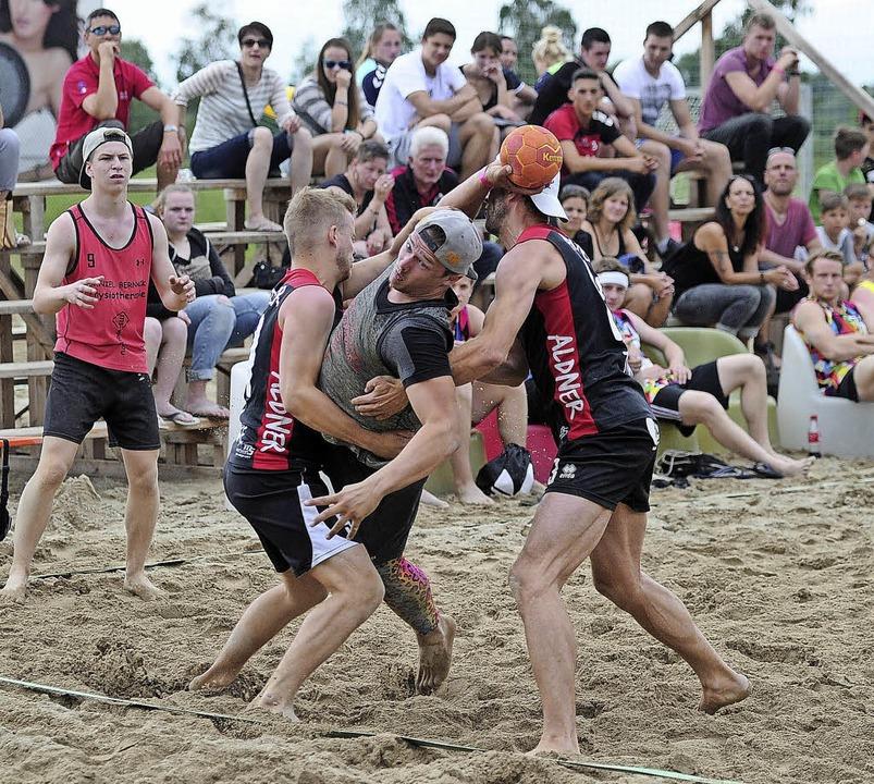 Beachhandball in Altenheim: Das Turnier erfährt eine Aufwertung.   | Foto:  Bettina Schaller
