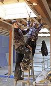 Nachwuchs freut sich über die Baustelle