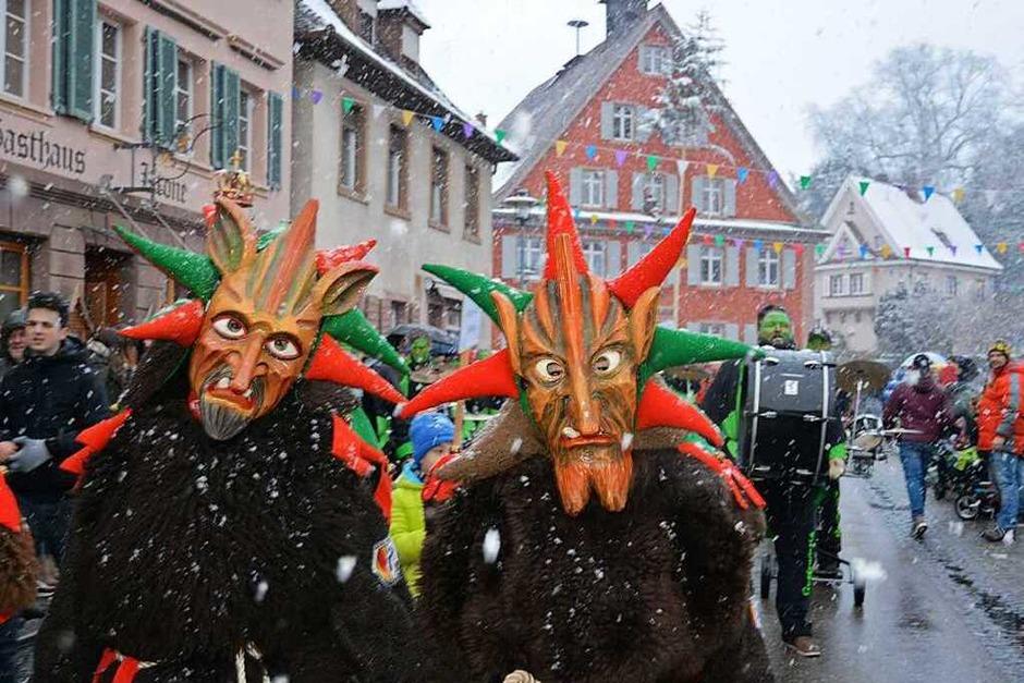 Die Gastgeber der Käppeli-Baschi trotzten dem Wetter. (Foto: Benedikt Sommer)