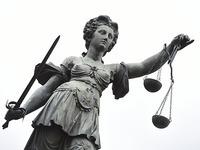 Angeklagter sieht sich als Verschwörungsopfer