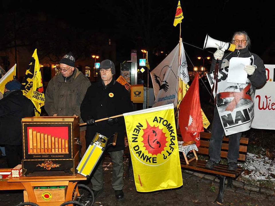 Auf dem Breisacher Neutorplatz fordert...die Beschäftigten in Aussicht gestellt    Foto: Kai Kricheldorff