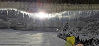Durch den Eiszapfen-Vorhang