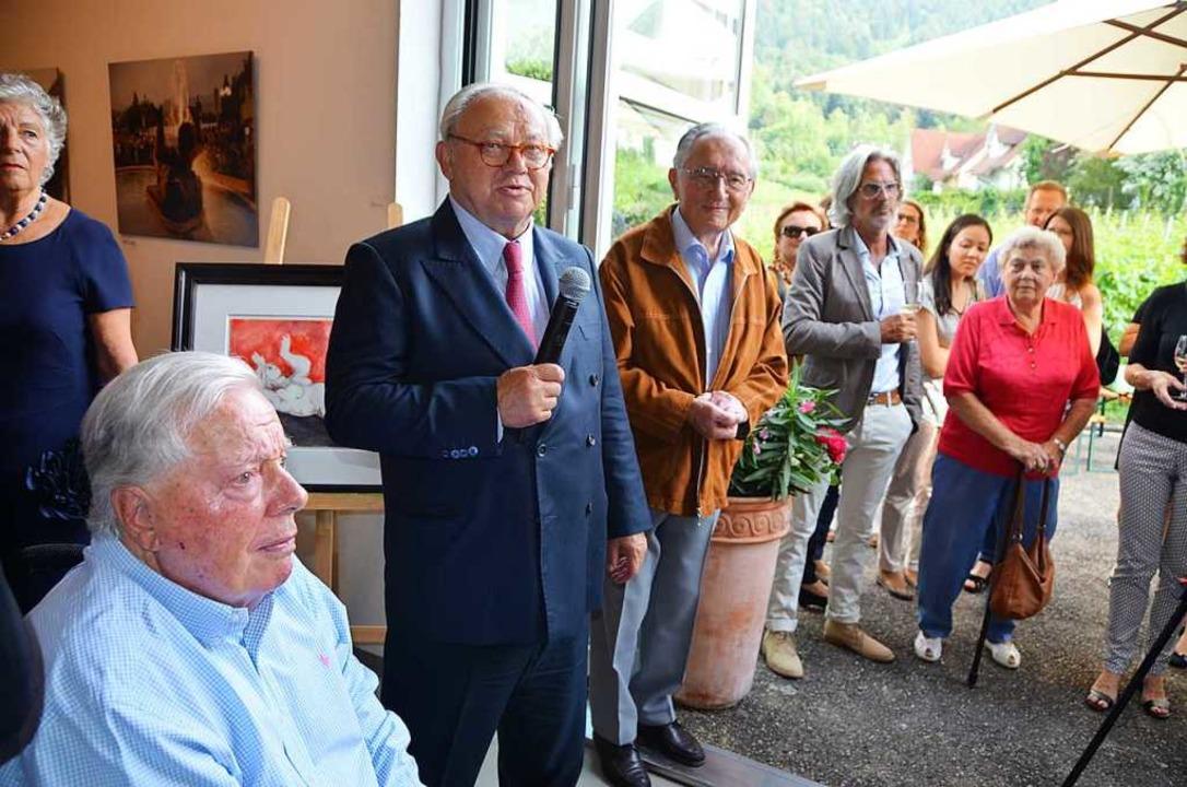 Franz Burda (im Vordergrund) lauscht d... seines jüngsten Bruders Hubert Burda.  | Foto: Ralf Burgmaier