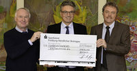 Pfizer spendet 15.000 Euro an Freiburger Sozialfond