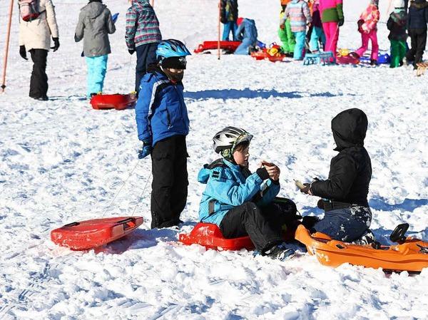 """Der Skiverband Schwarzwald hat zum achten Festival """"Schulen im Schnee"""" geladen. 2500 Schüler waren auf dem Feldberg dabei."""