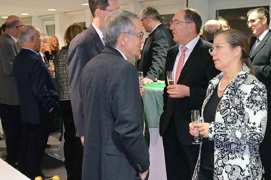 Der Empfang des Gewerbevereins bot viele Gesprächsmöglichkeiten, rechts Bürgermeisterin Diana Stöcker (Foto: Ingrid Böhm-Jacob)