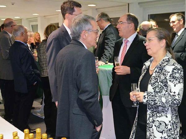 Der Empfang des Gewerbevereins bot viele Gesprächsmöglichkeiten, rechts Bürgermeisterin Diana Stöcker