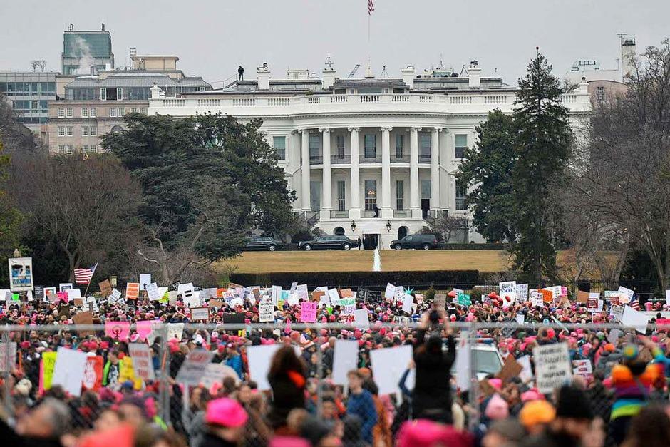 Massendemos für Frauenrechte und Protest gegen den neuen US-Präsidenten Trump in Washington D.C. und anderen Städten (Foto: AFP)