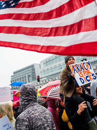 Massendemos für Frauenrechte und Protest gegen den neuen US-Präsidenten Trump in Washington D.C. und anderen Städten