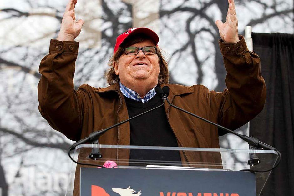 Filmemacher Michael Moore spricht in Washington (Foto: dpa)