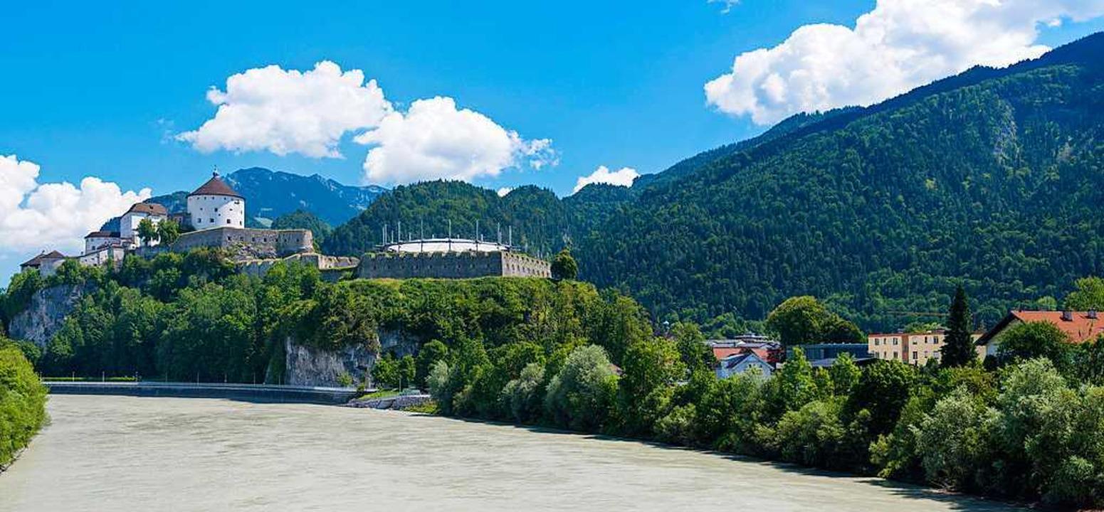 Links die Festung Kufstein, rechts das...d die Polizei die Leiche von Lucile K.  | Foto: Manfed Sitter/Fotolia.com