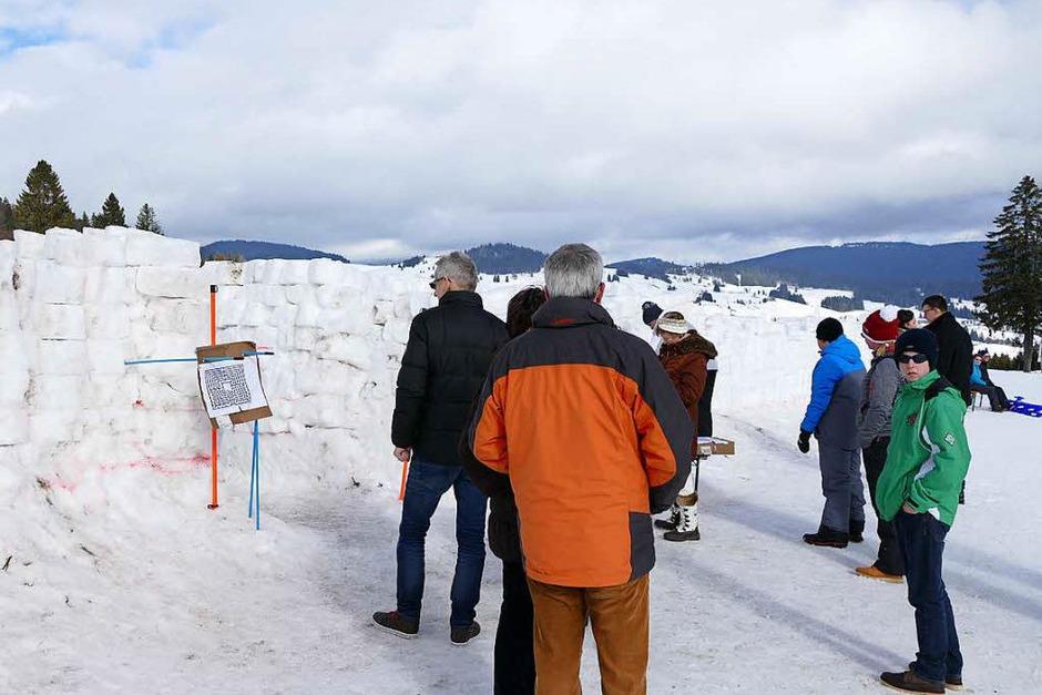 Viel Schnee haben die Helfer für das Labyrinth bewegt. (Foto: Sebastian Barthmes)