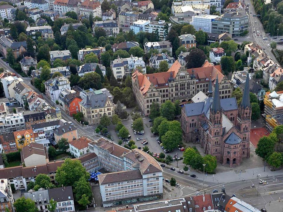 Das Eckhaus Basler Straße 2, gegenüber...wird an das Studierendenwerk verkauft.  | Foto: Thomas Kunz