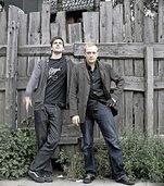 Das Duo Extrawelt spielt ein Live-Set in Freiburg