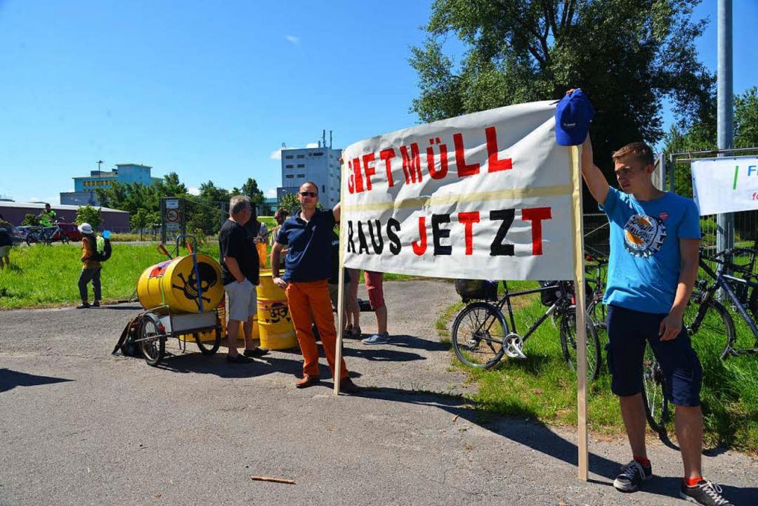 Proteste gegen den Sanierungsplan der BASF im Juni 2015.  | Foto: Martin Eckert