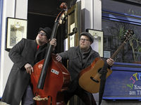 Jan Gregerson (Gitarre) und Alexander Denckert (Kontrabass) zu Gast in Müllheim