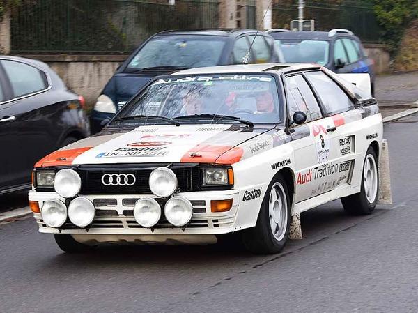 Der frühere Rallye-Weltmeister Walter Röhrl nimmt mit einem Audi Quattro A2 teil.