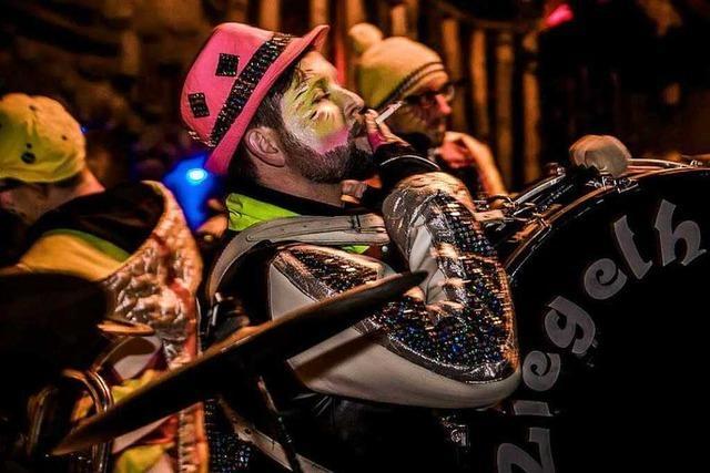 Fotos: Ein Guggen-Corso durch Gundelfingen